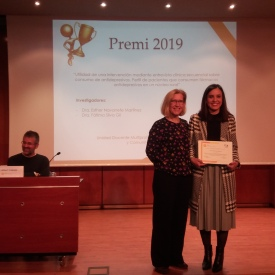 Dra. Rosa Monteserín, presidenta del jurat i la Dra. Esther Navarrete, guanyadora del premi 2019